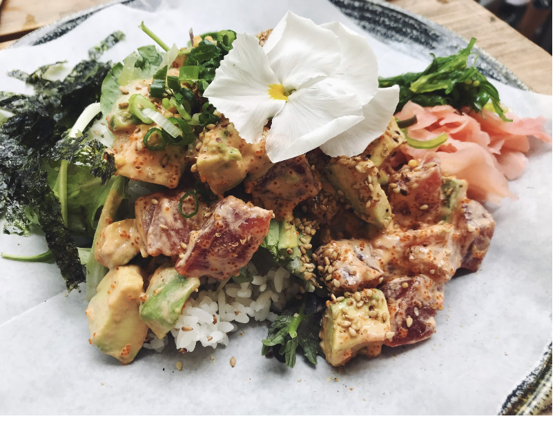 Instagram-worthy poke bowl at Island Vintage Coffee