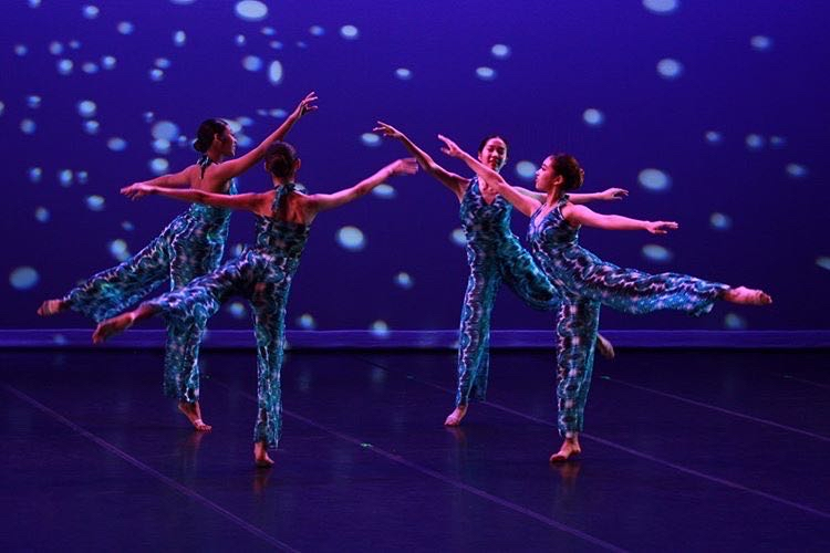Dance+students+Quynn+Bonilla+%28%2723%29%2C+Ella+Ann+Wong+%28%2722%29%2C+Karlee+Tanaka+%28%2722%29%2C+and+Mei+Orikasa+%28%2720%29+perform+at+the+fall+concert.+The+spring+concert+was+originally+scheduled+for+April+16-18+but+was+cancelled+this+year.